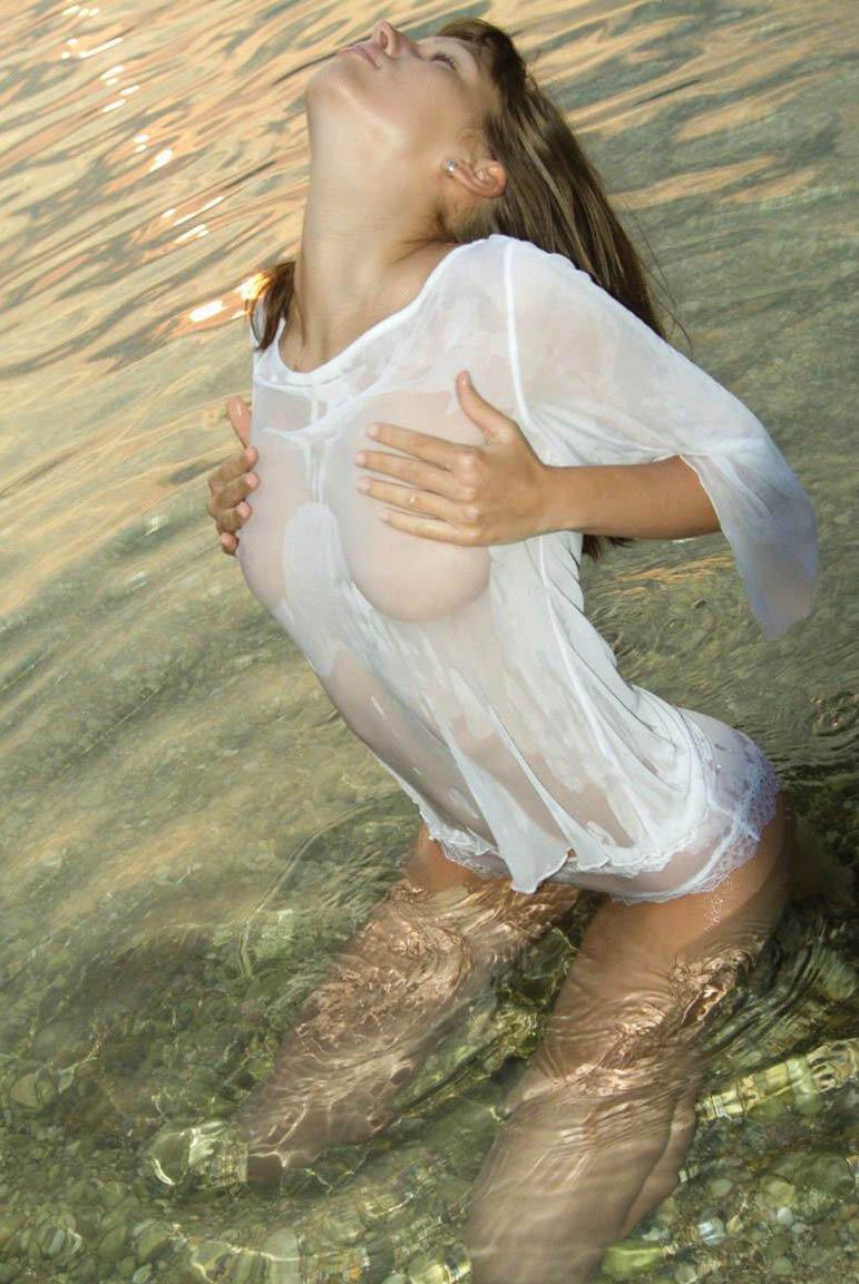 Фото красивых девушек в душе 26 фотография