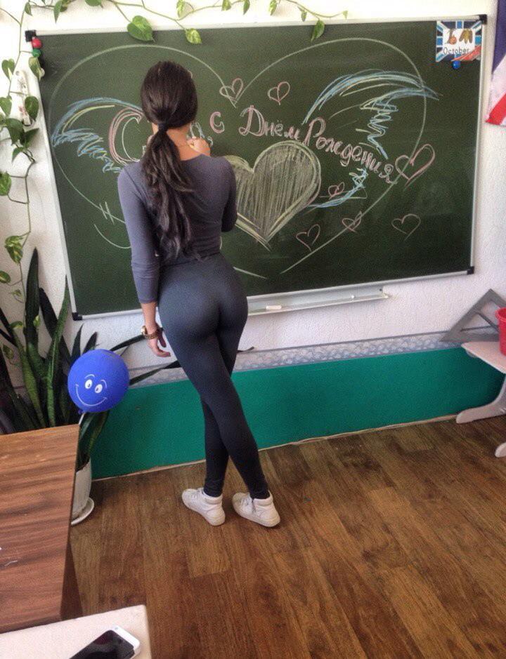 russkuyu-studentku-rakom-porno